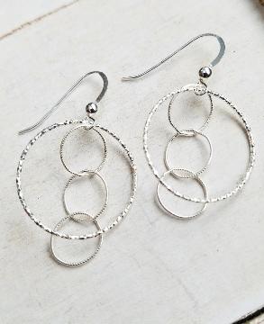 Silver Diamond Cut Interlocking Earrings