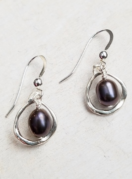 Organic Pod Pearl Earrings - Peacock
