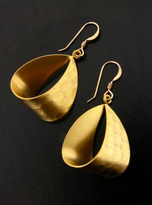 Gold Ribbon Drop Earrings