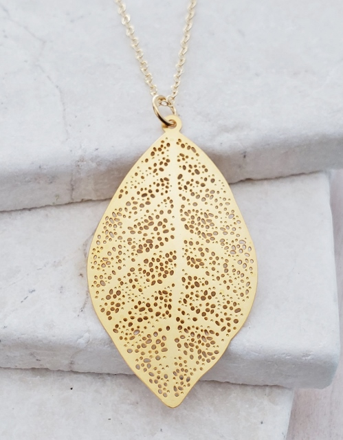 Gold Filigree Leuille Necklace