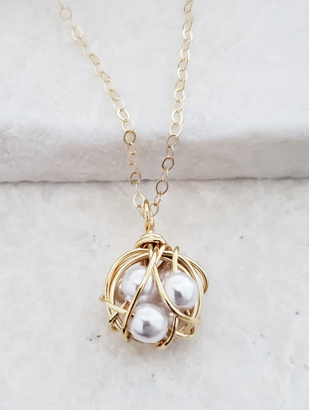 Wire-Wrapped Nest Faux Pearls Necklace