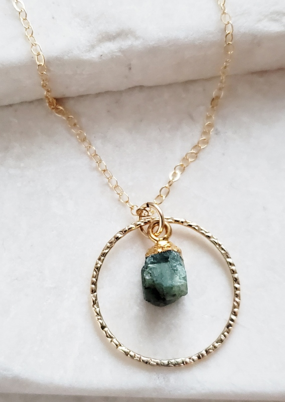 Gold Raw Apetite Circle Necklace