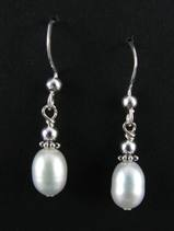 Simple White Pearl Earring