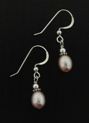 Simple Pearl Earrings Pink