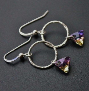 Vitrail Purple Triangle Hammered Hoop Earrings
