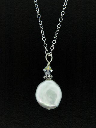 Coin Pearl Necklace in White