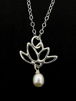White Pearl Lotus Blooms Necklace