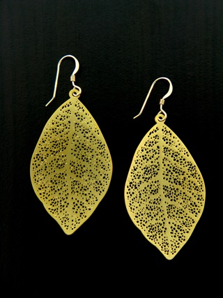 Gold Matte Filigree Leuille Earrings
