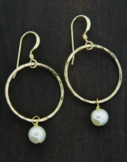 Gold Hammered Ring w/ Pearl Earrings