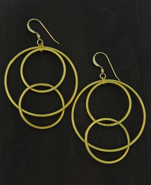 Gold Matte Interlocking Circle Earrings