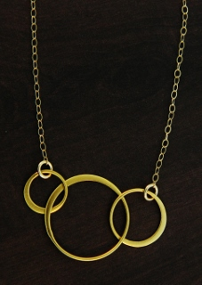 Gold Three Circle Link Necklace
